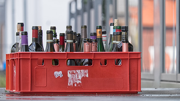 Empty bottles return management